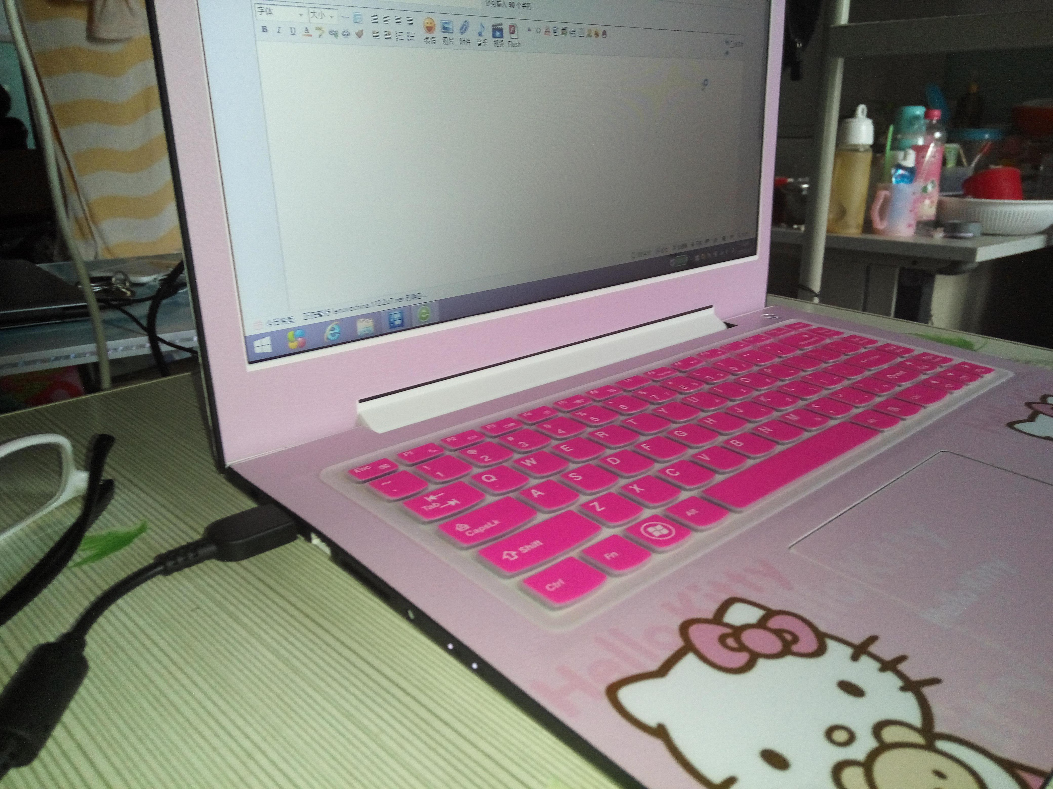 女生电脑贴膜图片素材