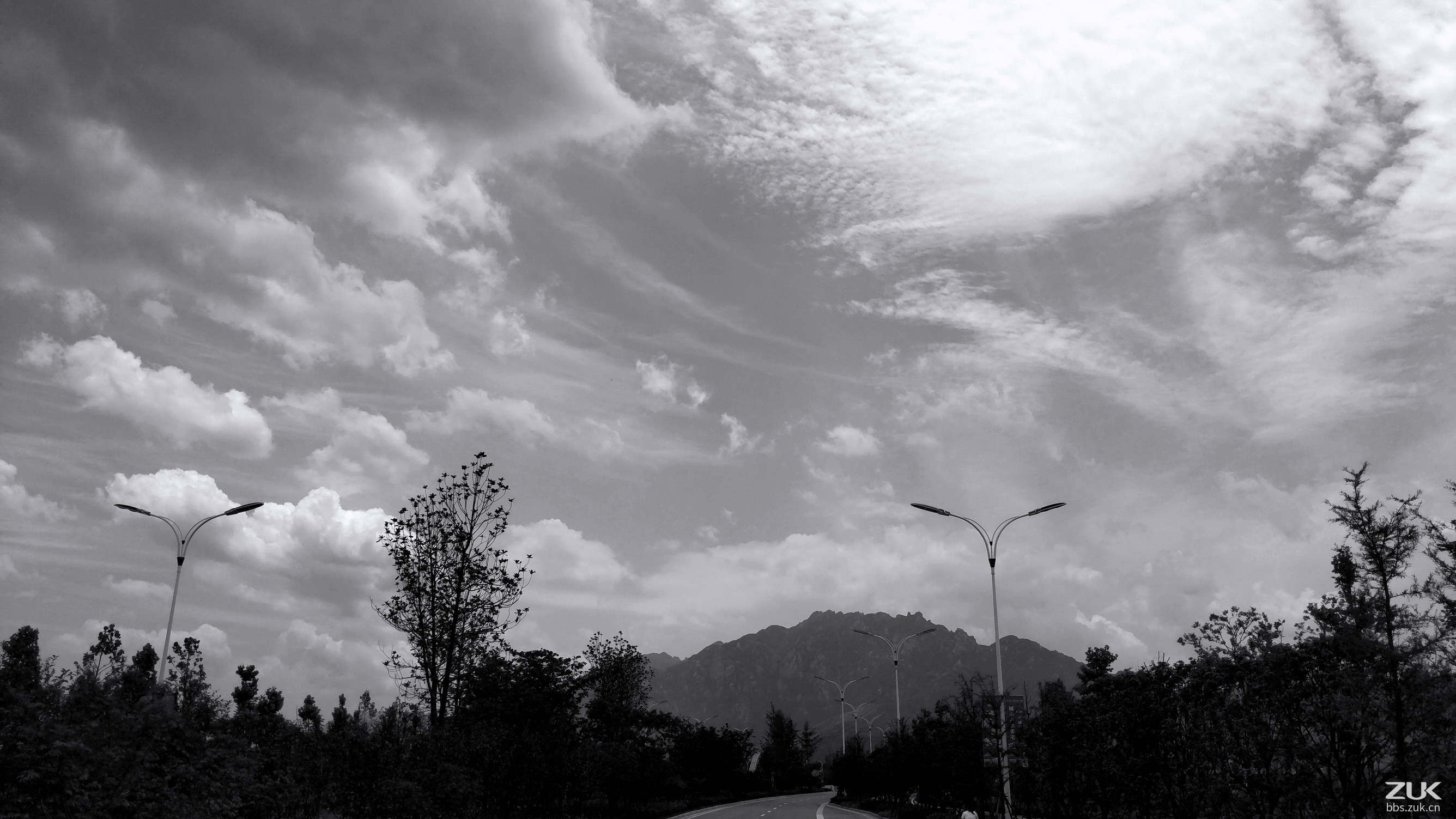 【黑白色调】沿途的风景
