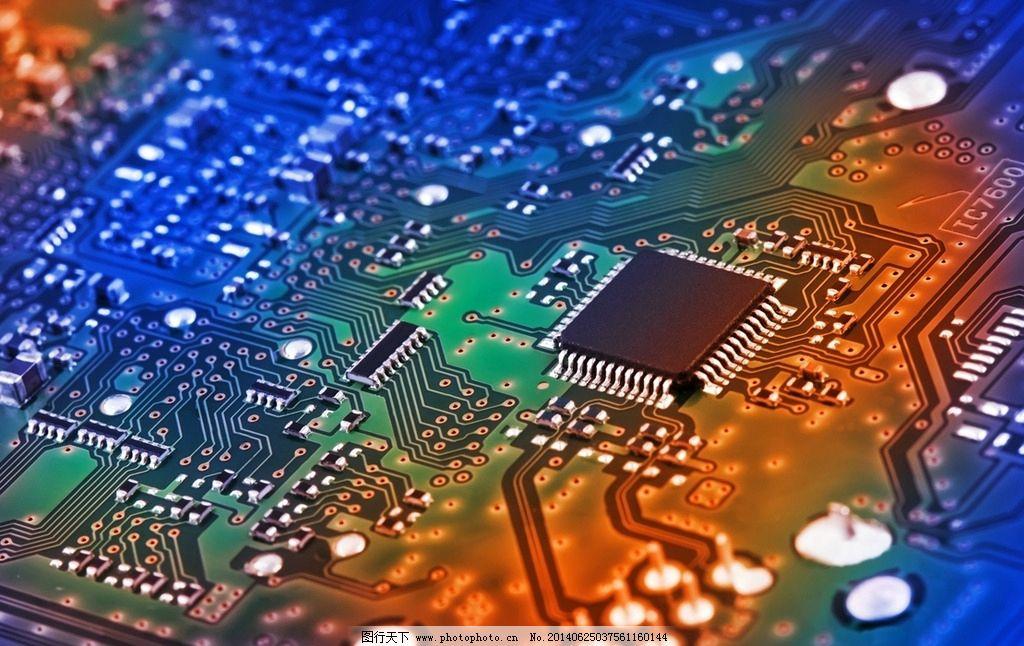 因此,当代电子计算机生产所采用的大规模集成电路要求很高的生产和